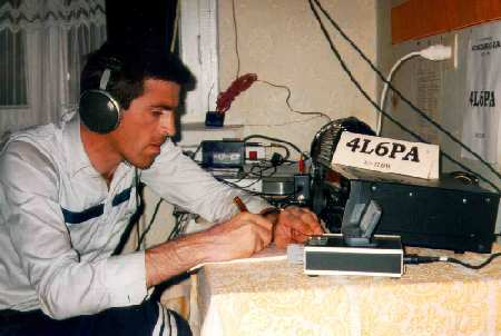 Omar operating the 4L6PA station